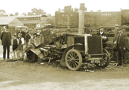 Steam bus wreck, 1905