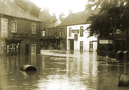 Flooding in Finkle Street, 1930